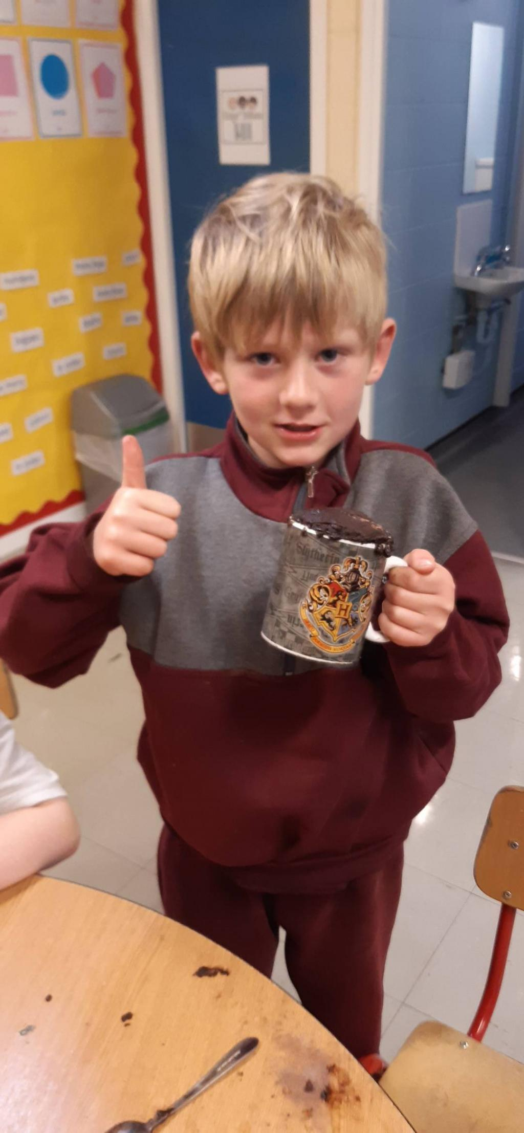 Cake in a Mug Science experiment in Room 5!